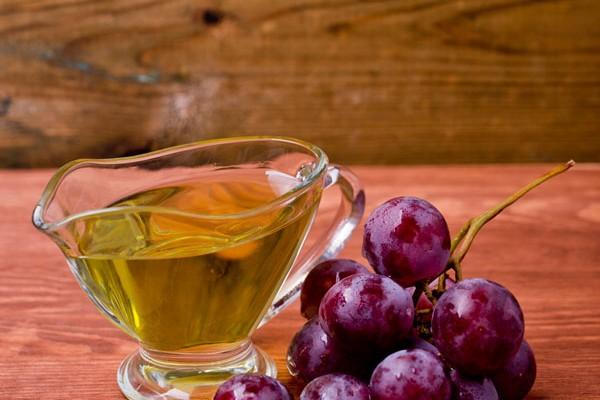 Olej z pestek winogron – na włosy i skórę