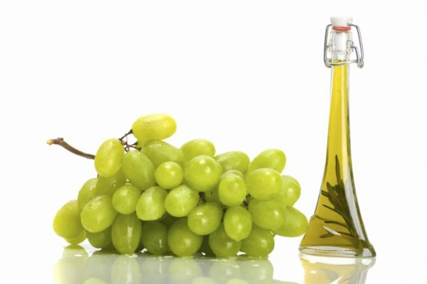 Kosmetyki DIY. Jak wykorzystać olej z pestek winogron?